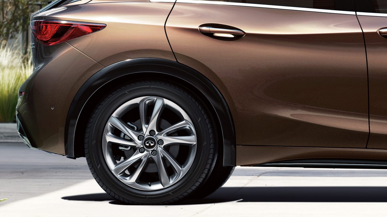 Infiniti Q30 2004 >> INFINITI Q30 Luxury Crossover: Own the road