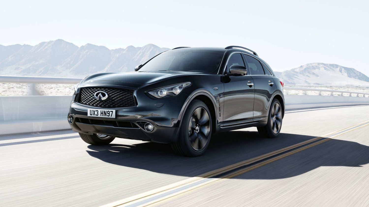 infiniti qx70 luxury crossover suv. Black Bedroom Furniture Sets. Home Design Ideas