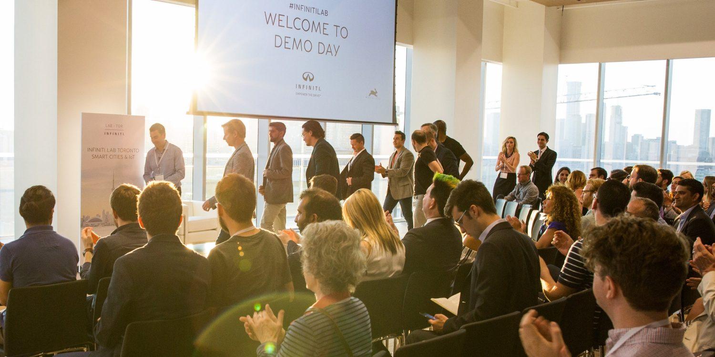 INFINITI LAB startups being applauded