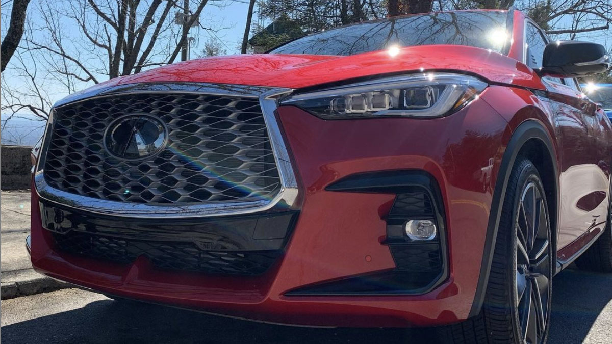 Front view of 2022 INFINITI QX55 exterior