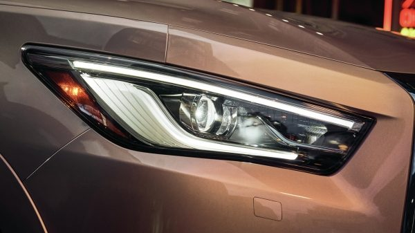 2020 INFINITI QX80 SUV Design Adaptive Front Lighting System (AFS) with Auto-Leveling Headlights