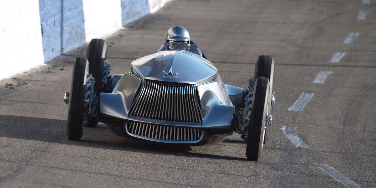 Signature Front Fascia and Double-Arch Grille  INFINITI Prototype 9 e-roadster