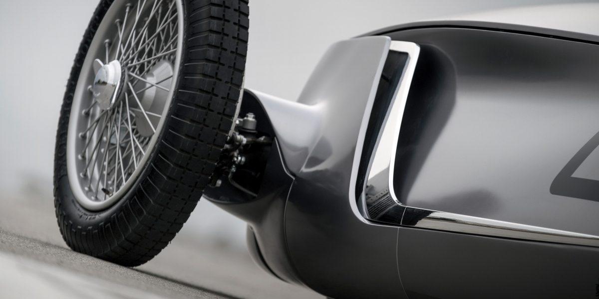 "INFINITI Signature ""Shark Gills"" and Sharp Lines   INFINITI Prototype 9 e-roadster"