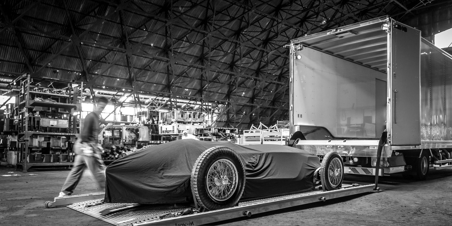 Enroute to the 2017 Pebble Beach Concour d'Elegance in Monterey, California | INFINITI Prototype 9 e-roadster