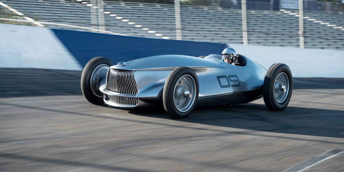 An Engaging EV to Drive   INFINITI Prototype 9 e-roadster