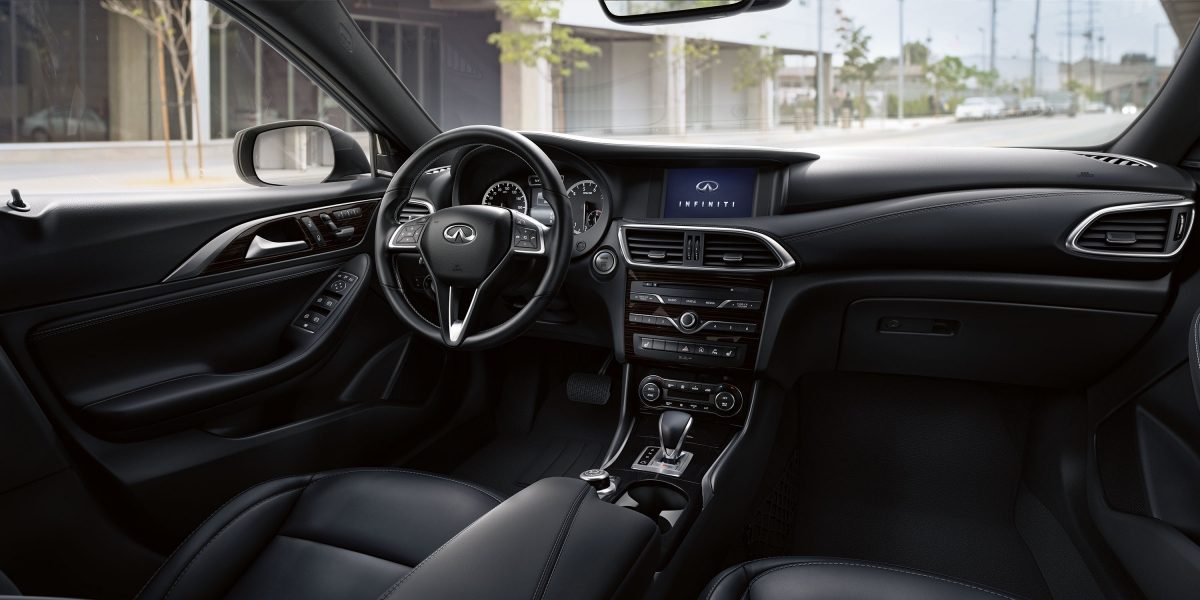 2018 INFINITI Q30 Crossover Connectivity
