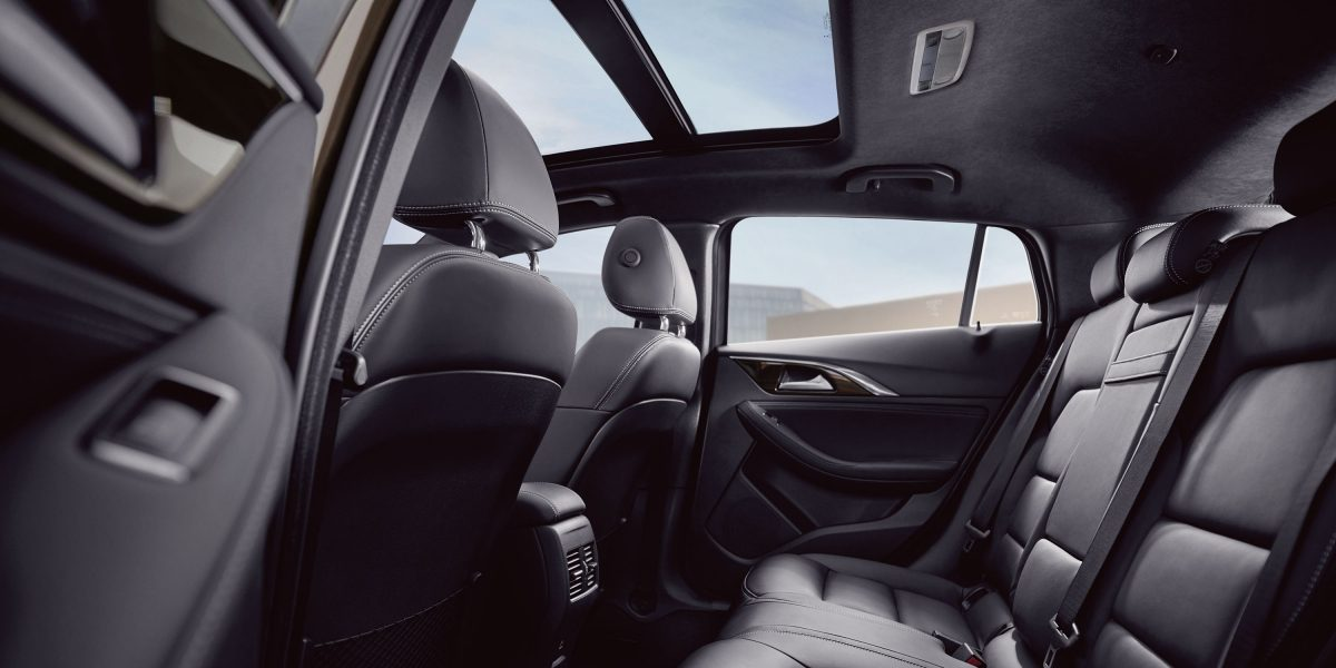 2018 INFINITI Q30 Crossover Graphite Leather Interior