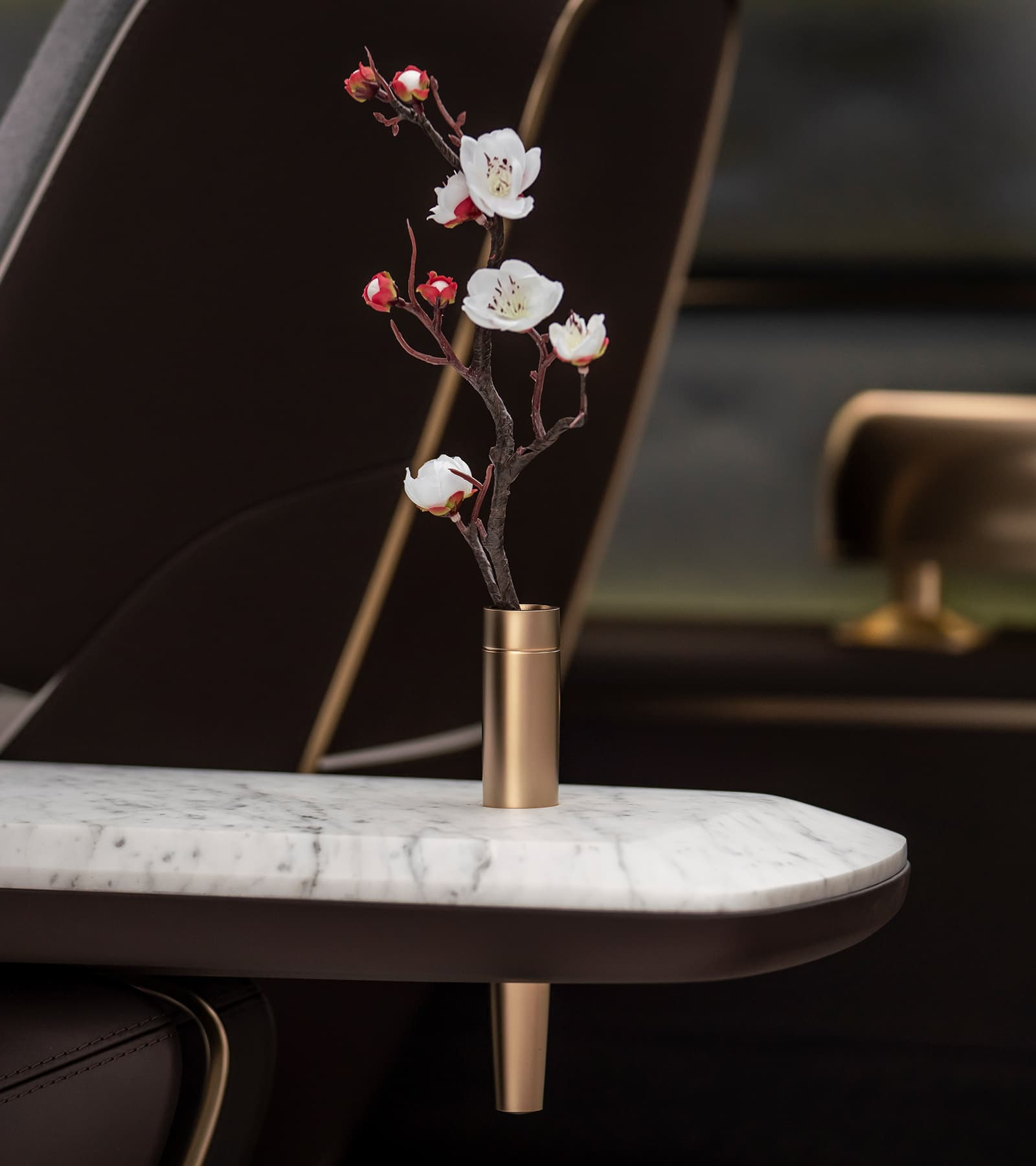 Infiniti QX Inspiration interior divider with flowers