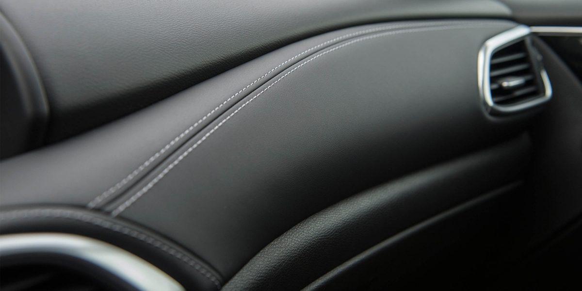 2018 INFINITI QX30 Premium Crossover Leatherette Stitched Dashboard