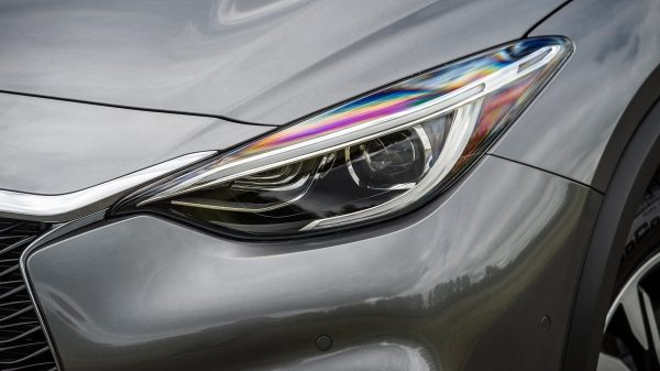 2018 INFINITI QX30 Premium Crossover LED Daytime Running Headlights