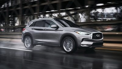 2020 INFINITI QX50 Luxury Crossover Driving In Wet Conditions