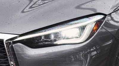 2020 INFINITI QX50 Luxury Crossover Exterior I-Led Headlights Turned On