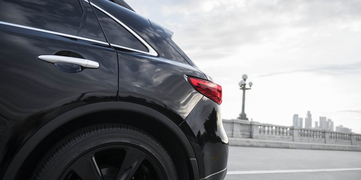 2018 INFINITI QX70 Chrome Trim Elements