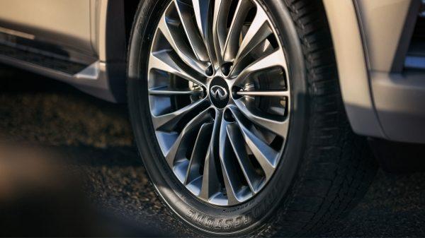 2018 INFINITI QX80 SUV Exterior | 22 Inch Forged Aluminum-Alloy Wheels
