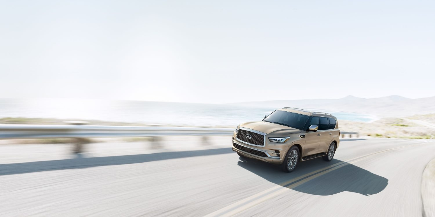 2018 INFINITI QX80 Luxury SUV Advanced Ride | Driver's Side Front Three Quarter in Champagne Quartz
