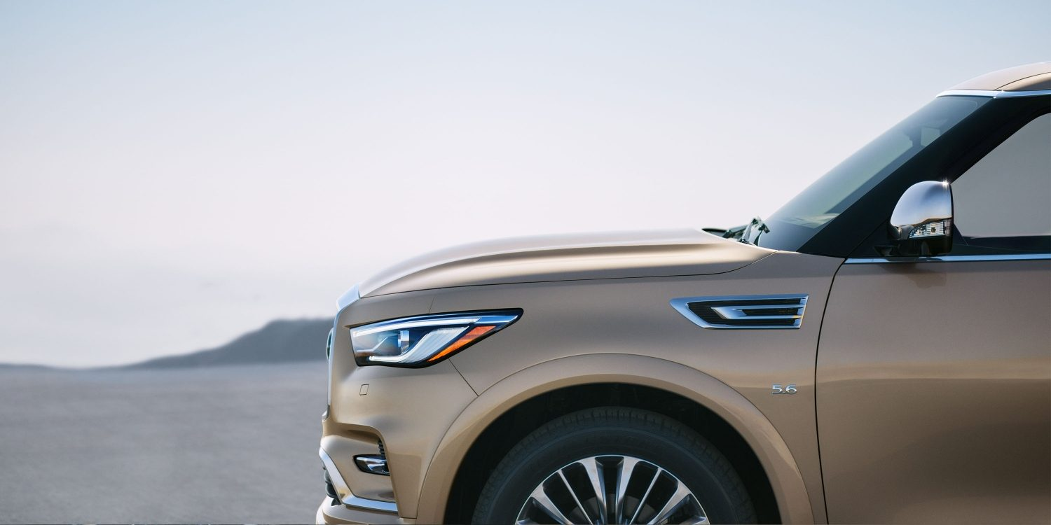2018 INFINITI QX80 SUV Exterior Design Gallery | Driver's Side Side Profile with 22-inch Wheels