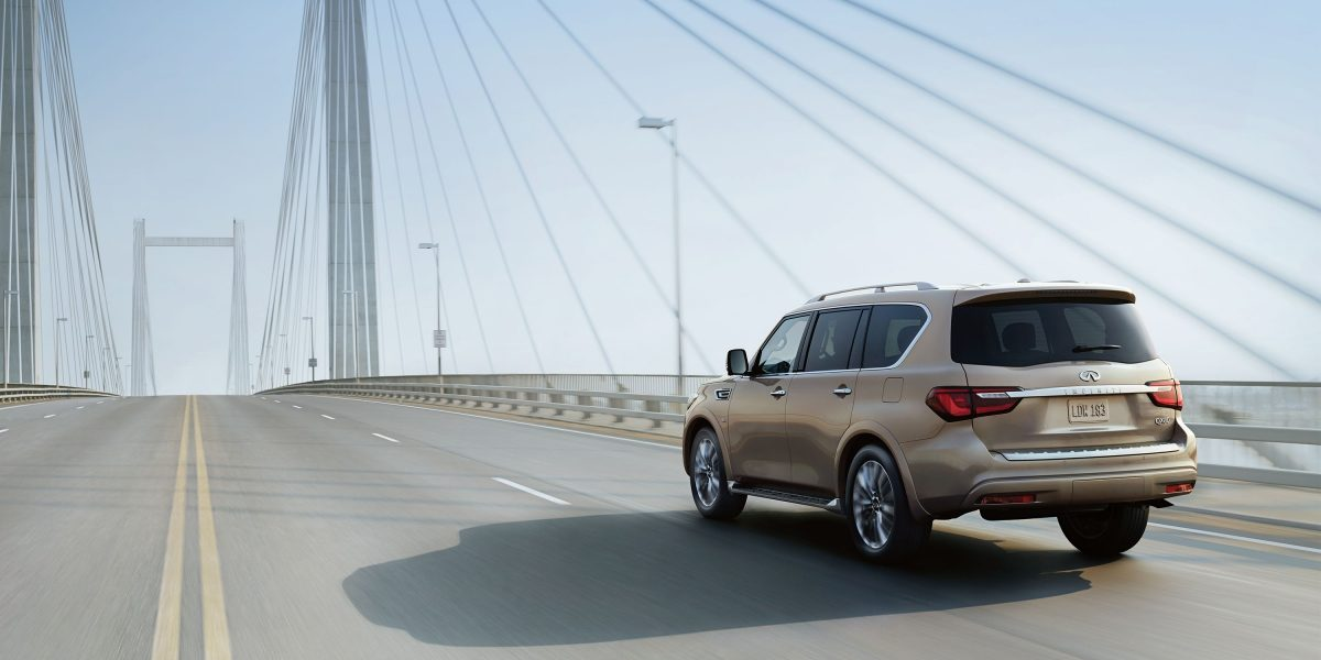 2018 INFINITI QX80 SUV Exterior Design Gallery | Driver's Side Rear Fascia in Champagne Quartz